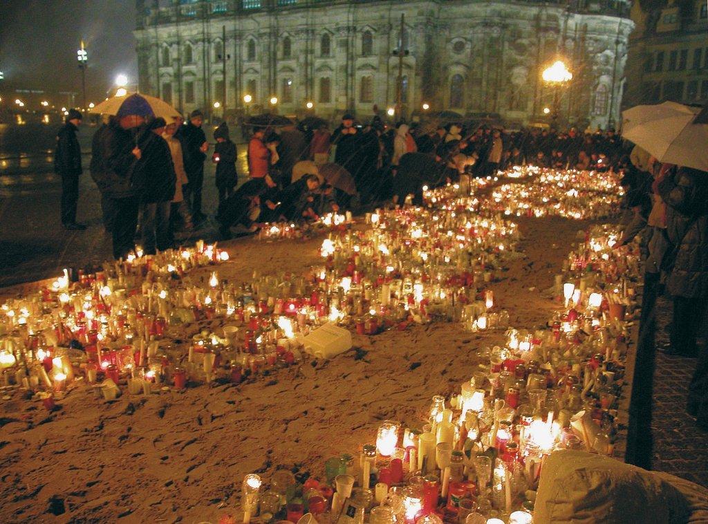 Dresden am 60. Jahrestag der Zerstörung, 2005